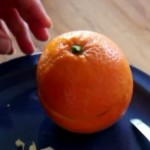 VIDEO: Provjerite, je li ovo najbolji način guljenja naranče
