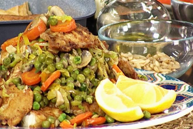 OSLIĆ S PORILUKOM I GRAŠKOM: Kombinacija ribe i povrća za zdrav i ukusan obrok