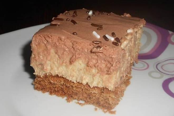 PREZLA KOLAČ: Napravite velik, izdašan i sočan kolač od običnih sastojaka