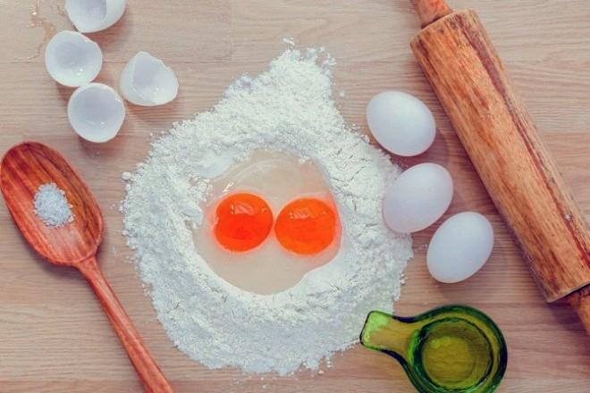 Rezultat slika za MALE KUHARSKE TAJNE (3): Kada koristiti oštro, kada glatko brašno? Što tijestu daje rahlost? Treba li sito prati vodom? …
