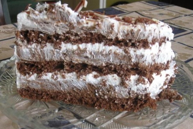 NAJLJEPŠA ČOKOLADNA TORTA: Fina poslastica, prikladna i za velika slavlja
