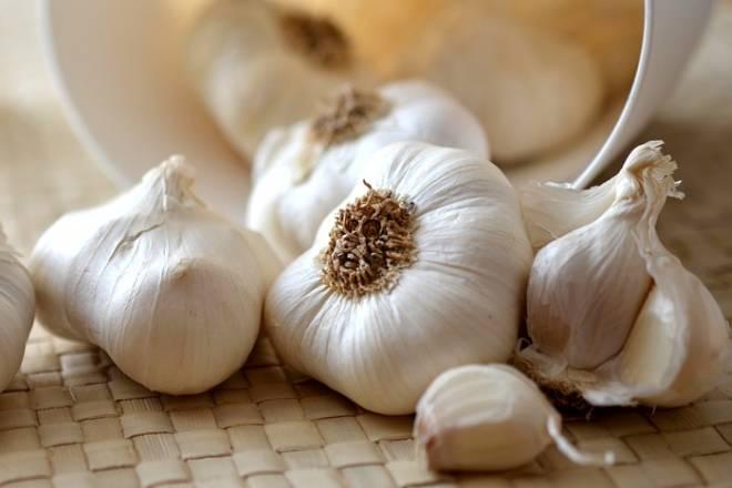 'ČUDOTVORNA' NAMIRNICA: Znamo da je češnjak odličan za zdravlje, ali jeste li znali ovo?
