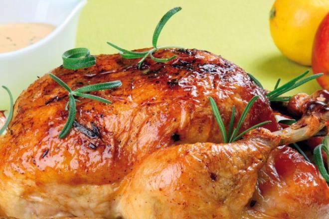 PUNJENO PILE: Klasično jelo u malo raskošnijoj varijanti, savršeno ukusno
