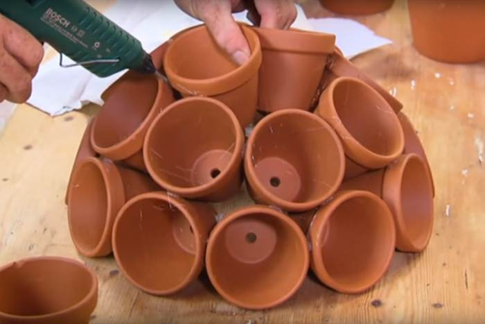NEKOLIKO FANTASTIČNIH IDEJA: Napravite prekrasne aranžmane od malih saksija [VIDEO]