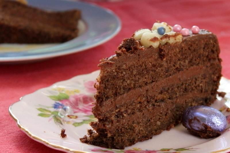 BOŽENKINA ČUPAVICA: Čokoladna torta s orasima