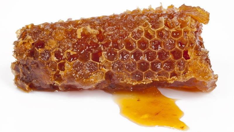 9 MEDICINSKIH STANJA u kojima pomaže liječenje medom i propolisom