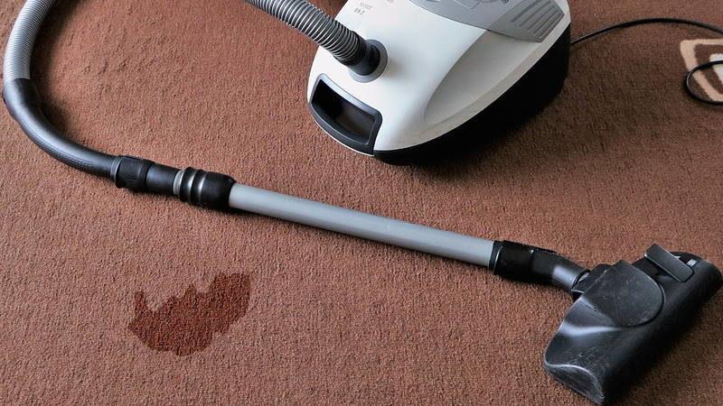 Ružne mrlje na tepihu možete ukloniti za samo 5 minuta uz ove jednostavne trikove